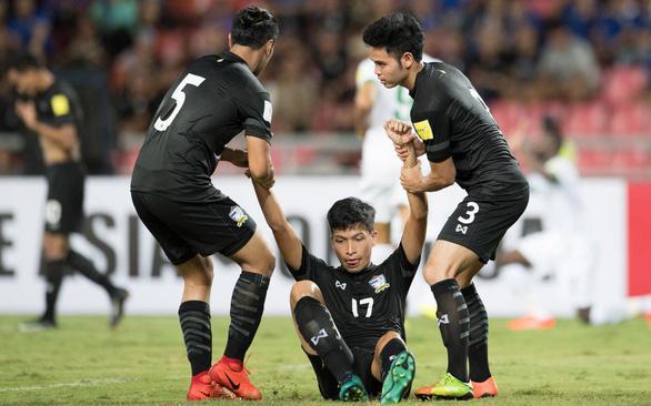 Với tuyển Việt Nam, đường đến World Cup 2022 còn xa lắm - Ảnh 1.