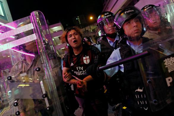 Sợ bị truy tố, người biểu tình Hong Kong trốn sang Đài Loan? - Ảnh 1.