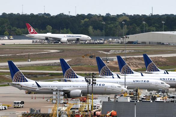 Boeing thừa nhận thiệt hại hơn 5 tỉ đô - Ảnh 2.