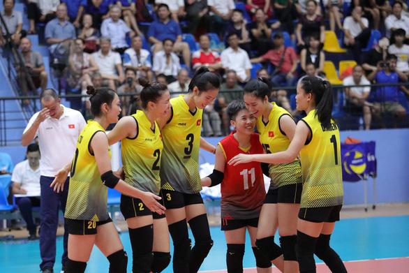 Hạ đẹp Kazakhstan, bóng chuyền nữ Việt Nam vào bán kết U23 châu Á - Ảnh 1.