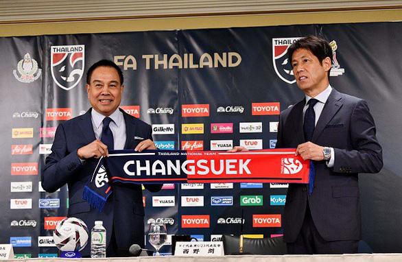 Tân HLV Thái Lan Nishino: 'Tôi muốn xây dựng Thái Lan ngang tầm với Nhật Bản' - Ảnh 1.
