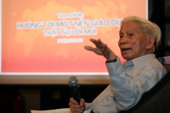 Giáo sư Hoàng Tụy: Hãy can đảm giã từ cũ kỹ để đất nước nở hoa - Ảnh 1.