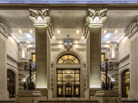 D'. Palais Louis ngốn hàng ngàn tỉ đồng cho những vật liệu xa xỉ - Ảnh 1.