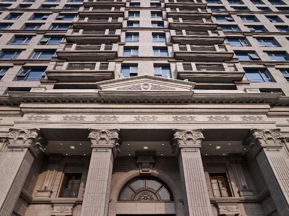 D'. Palais Louis ngốn hàng ngàn tỉ đồng cho những vật liệu xa xỉ - Ảnh 2.