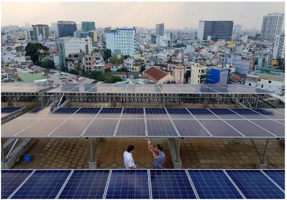 Được vay ưu đãi khi làm điện mặt trời áp mái - Ảnh 2.