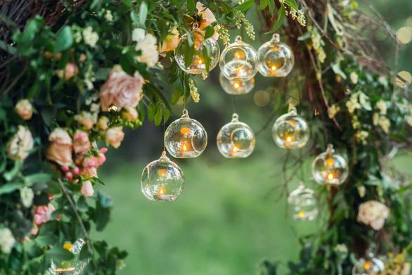 Sân vườn thêm lung linh với 5 ý tưởng treo đèn phong cách Rustic - Ảnh 4.
