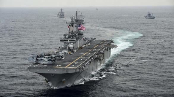 Mỹ bảo bắn hạ máy bay Iran, Tehran nói không biết - Ảnh 1.