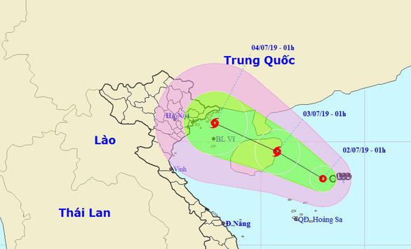 Mây, mưa đang cuồn cuộn tiến về miền Bắc và khu vực cháy rừng Hà Tĩnh - Ảnh 1.
