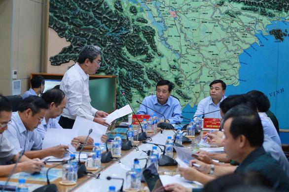 Áp thấp hướng vào Quảng Ninh - Hải Phòng, có thể mạnh thành bão - Ảnh 2.