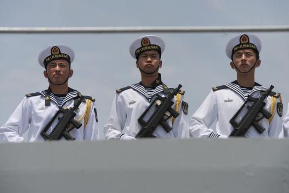 Quân đội Trung Quốc thử tên lửa đạn đạo chống hạm trên Biển Đông - Ảnh 1.
