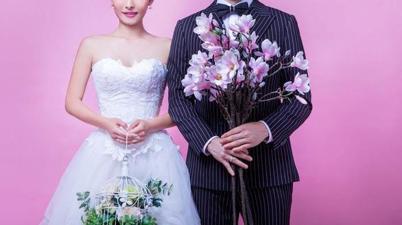 Nhiều du học sinh Việt trả đến 60.000 USD để kết hôn giả - Ảnh 4.