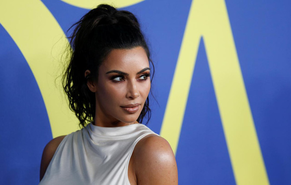 Kim Kardashian rút bỏ nhãn hiệu đồ lót kimono, dân Nhật vẫn chưa bỏ qua - Ảnh 1.