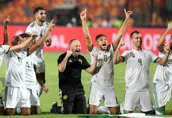 Algeria ăn mừng trong phấn khích sau khi lên ngôi vô địch CAN 2019 - Ảnh 4.