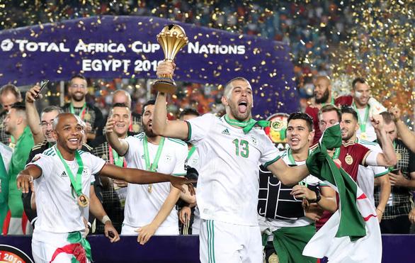 Algeria ăn mừng trong phấn khích sau khi lên ngôi vô địch CAN 2019 - Ảnh 9.