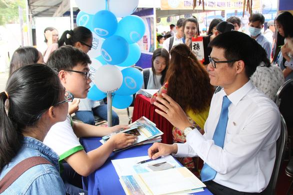 Gần 200 trường có mặt tại ngày hội tư vấn xét tuyển tại Hà Nội, TP.HCM - Ảnh 1.