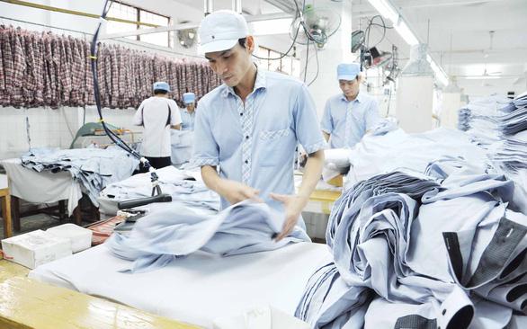 Mạnh tay chống đội lốt hàng Việt nếu không muốn nhiều doanh nghiệp Việt phá sản - Ảnh 1.