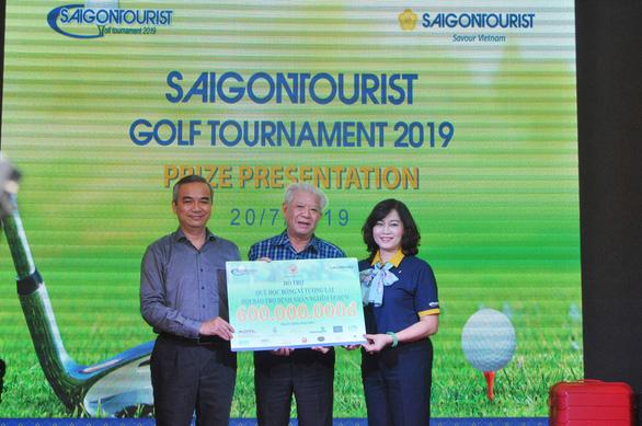 Giải golf từ thiện trao 600 triệu cho học sinh nghèo - Ảnh 1.