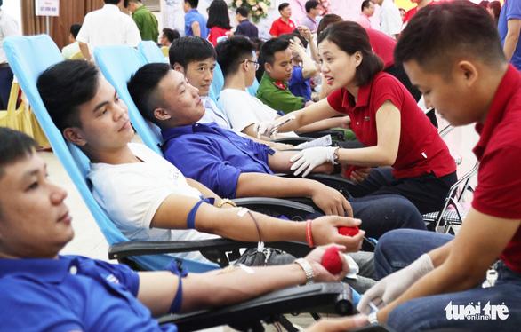 Ba điều dưỡng hiến máu cứu sống sản phụ bị băng huyết - Ảnh 4.