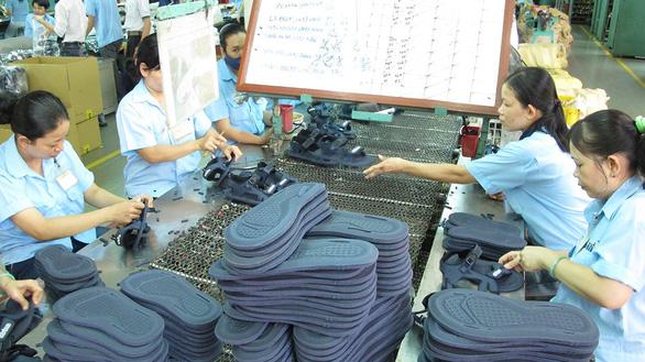 Sản xuất ở nước ngoài nhưng nhập về ghi sẵn made in Vietnam - Ảnh 1.
