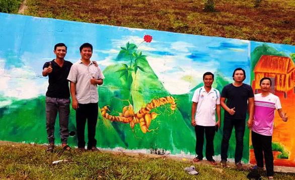 Độc đáo con đường bích họa ở thủ phủ sâm Ngọc Linh - Ảnh 9.
