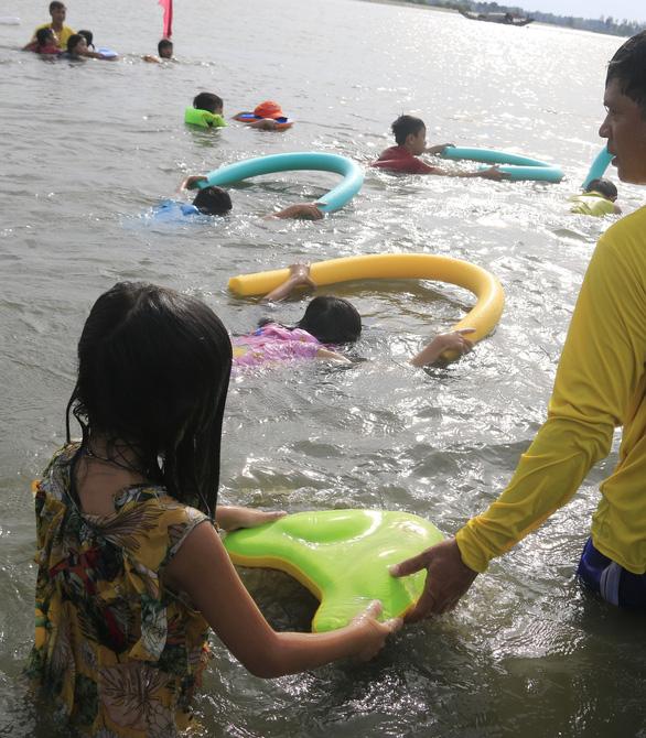 Học bơi để tự cứu mình, cứu người - Ảnh 6.