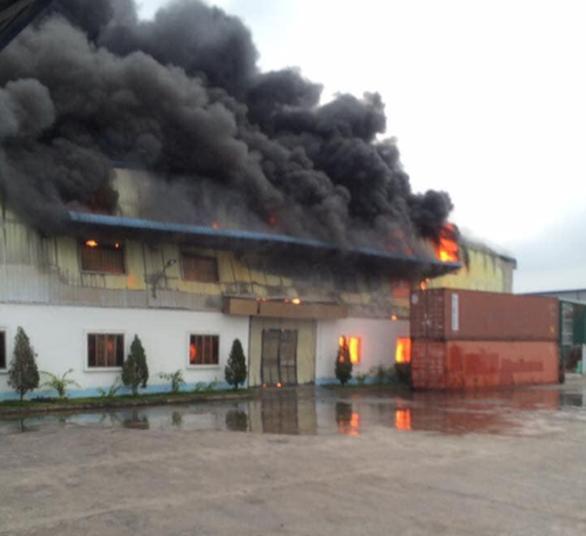 Xưởng công ty may 100% vốn Đài Loan tại Hải Dương cháy rụi - Ảnh 2.