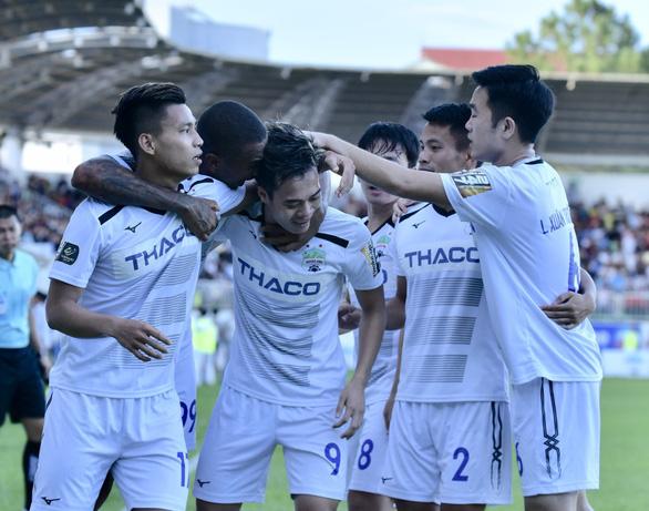 Sân Pleiku: Văn Toàn, Tuấn Anh, Minh Vương tỏa sáng - Ảnh 1.