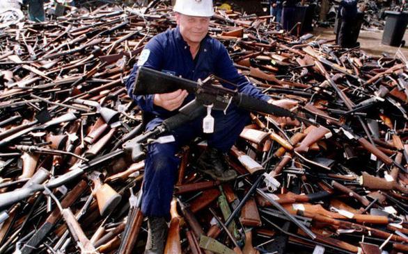 Người New Zealand bán lại 10.000 khẩu súng cho chính phủ - Ảnh 3.