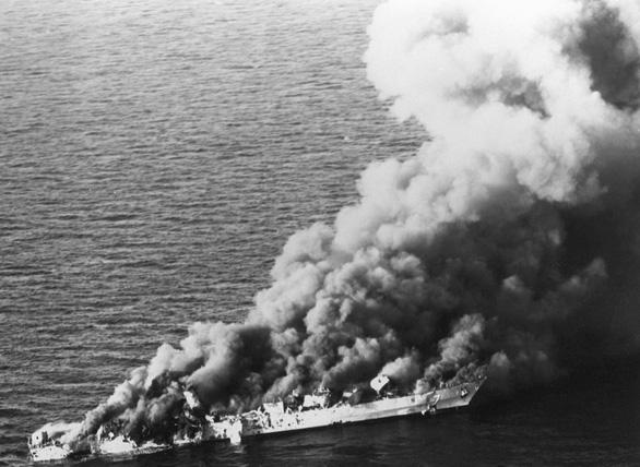 40 năm đối đầu Mỹ - Iran (1979 - 2019) - Kỳ 2: Cuộc chiến đánh tàu chở dầu - Ảnh 2.