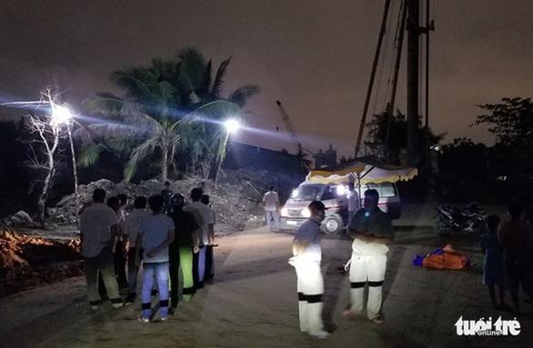Điện giật chết 2 bé trai: Lô cốt công trường vừa được tháo để thi công - Ảnh 1.