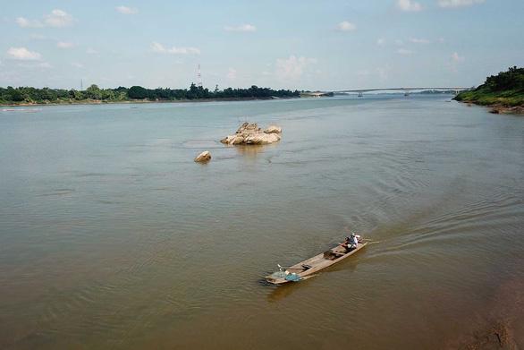 Nước sông Mekong ở Thái xuống mức thấp nhất trong trăm năm qua - Ảnh 1.