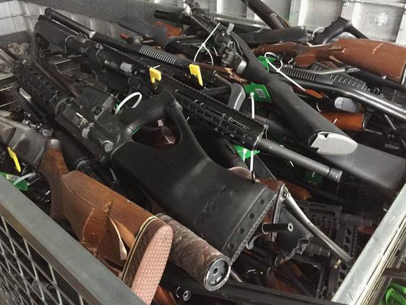 Người New Zealand bán lại 10.000 khẩu súng cho chính phủ - Ảnh 2.