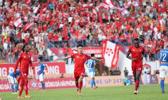 Siêu phẩm được mùa tại Lạch Tray, Hải Phòng đá bại Quảng Ninh 3-2 - Ảnh 1.