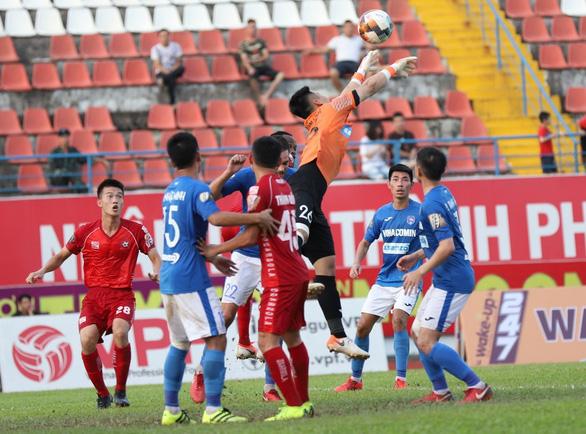 Siêu phẩm được mùa tại Lạch Tray, Hải Phòng đá bại Quảng Ninh 3-2 - Ảnh 3.
