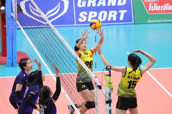 Đánh bại Thái Lan, bóng chuyền nữ Việt Nam giành HCĐ U23 châu Á - Ảnh 1.