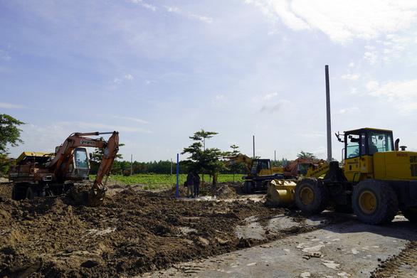 Cưỡng chế khu đất 24.000 mét vuông xây trái phép do Alibaba phân phối - Ảnh 1.
