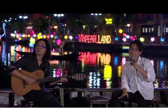 Cận cảnh nơi Hà Anh Tuấn đăng bán vé concert - Ảnh 2.