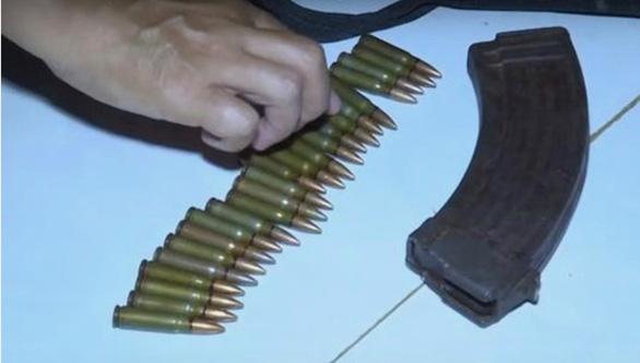 Chuyển hồ sơ vụ dùng súng AK bắn người tình rồi tự sát lên công an tỉnh - Ảnh 2.