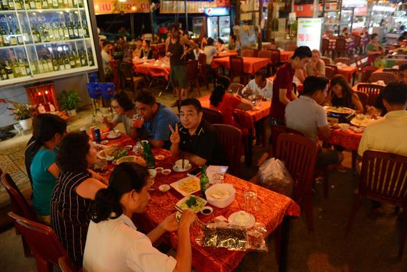 Việt Nam thúc đẩy nền kinh tế ban đêm như thế nào? - Ảnh 7.
