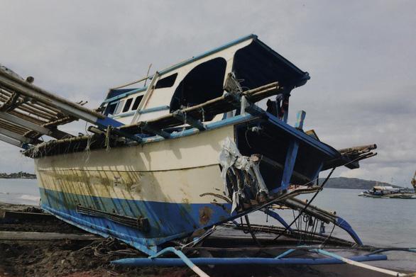 Chờ đón Duterte, Trung Quốc xin lỗi Philippines vì đâm chìm tàu cá - Ảnh 1.