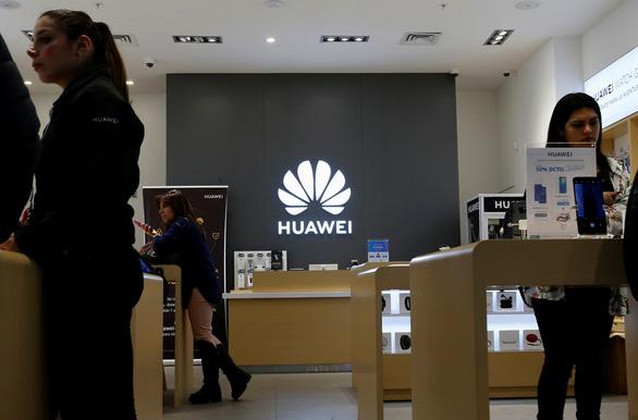 Ông Trump bàn vấn đề Huawei với CEO 7 công ty công nghệ hàng đầu - Ảnh 1.