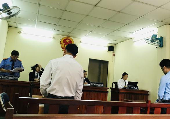 Một Việt kiều kiện BV mắt đòi đền 53.000 USD, tòa bác đơn - Ảnh 1.