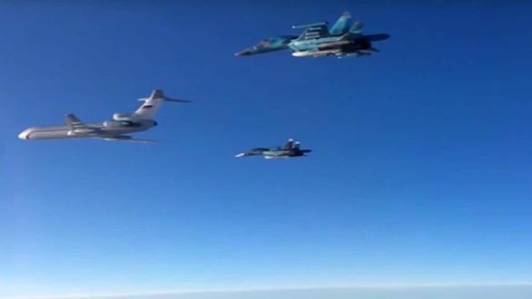 Hàn Quốc bắn cảnh cáo chiến đấu cơ Nga xâm phạm không phận - Ảnh 1.