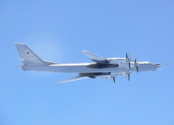 Trung Quốc ủng hộ Nga sau vụ tiêm kích Hàn bắn máy bay Nga - Ảnh 1.