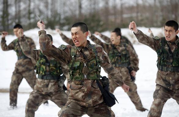 Trung Quốc công bố Sách trắng, nói Biển Đông nói chung ổn định và đang cải thiện - Ảnh 2.