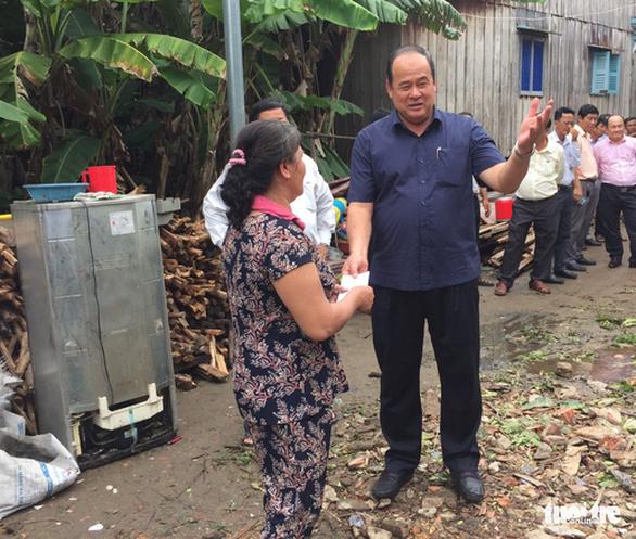 Mưa dông, lốc xoáy làm hơn 870 căn nhà ở An Giang sập, tốc mái - Ảnh 1.
