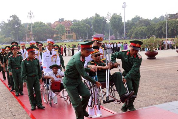 Chủ tịch Quốc hội gặp mặt các đại biểu thương binh nặng tiêu biểu toàn quốc - Ảnh 3.