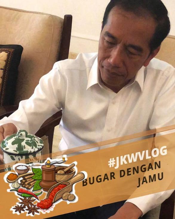Tổng thống Indonesia làm vlog triệu view khoe thức uống truyền thống - Ảnh 3.
