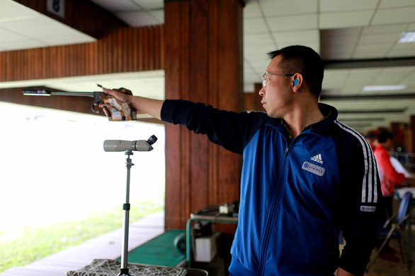 Còn 2 cơ hội cho xạ thủ Hoàng Xuân Vinh đạt chuẩn Olympic Tokyo 2020 - Ảnh 1.