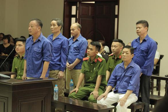 Trùm bảo kê chợ Long Biên Hưng kính lĩnh 4 năm tù - Ảnh 1.